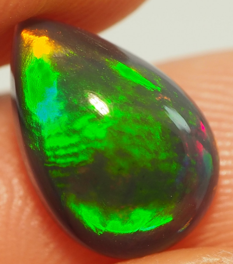 1.95CT ETHOPIAN TREATED OPAL STUNNING PATTERNS NN483