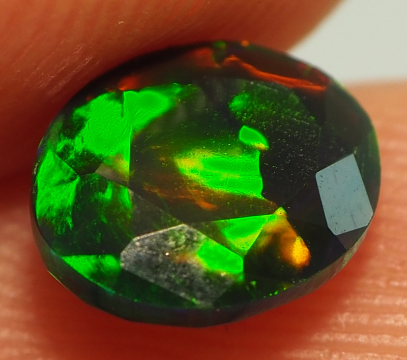 0.90CT ETHOPIAN FACETED TREATED OPAL WITH STUNNING PATTERNS NN502
