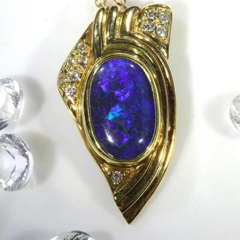 BLACK OPAL ALLURING DEEP BLUE 18K GOLD PENDANT 5 CTS SCA429