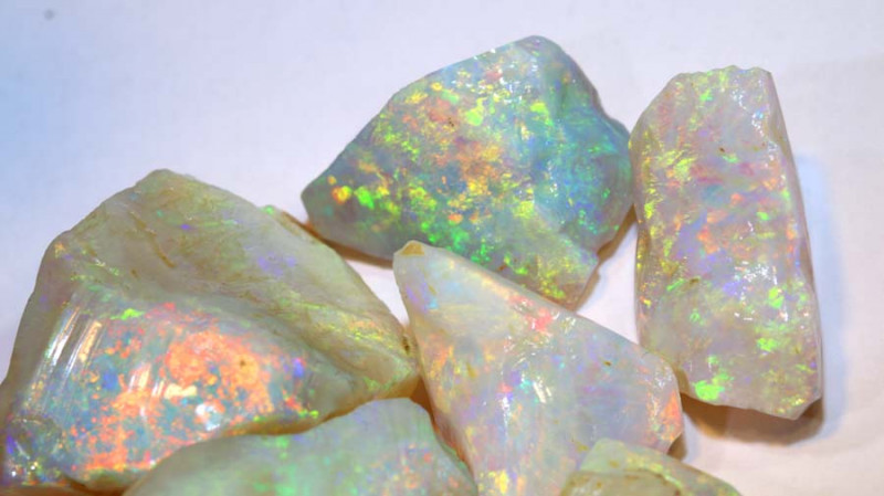 294.80 -CTS  WHITE OPAL ROUGH PARCEL  COOBER PEDY DT-8377