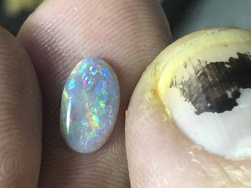 .8ct Lightning Ridge opal