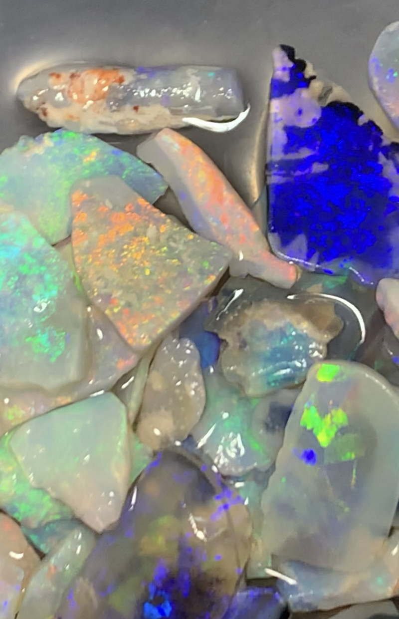 LOVELY INLAY MATERIAL; 39 CTs of Beautiful Lightning Ridge Inlay Opals, #94