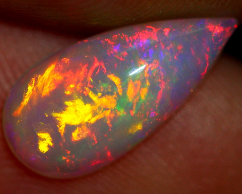 1.08cts Natural Ethiopian Welo Opal / LS211