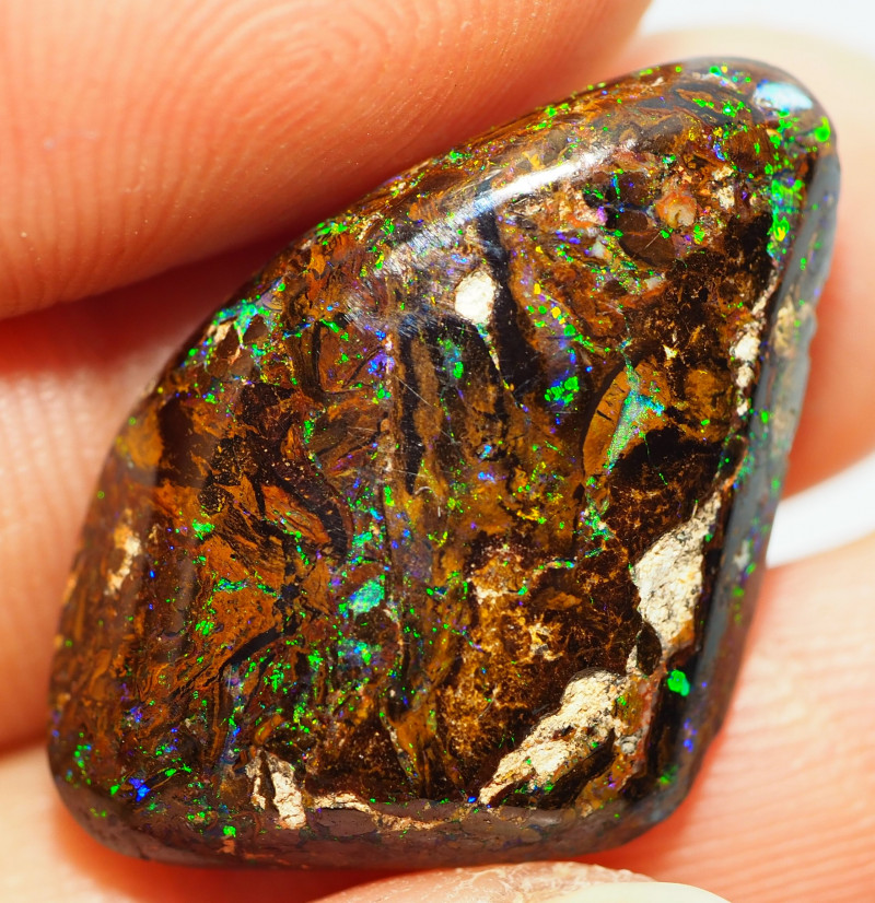 16.90CT  YOWAH OPAL WITH AMAZING PATTERN OI