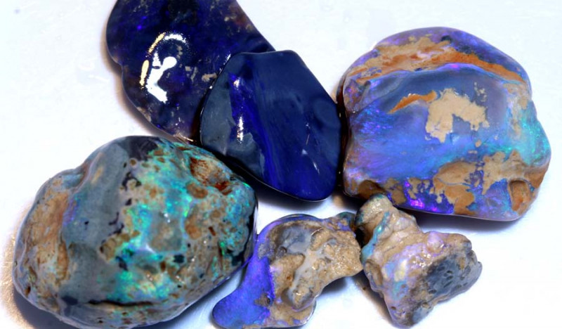 140 CTS -  BLACK OPAL ROUGH PARCEL  L. RIDGE DT-6761
