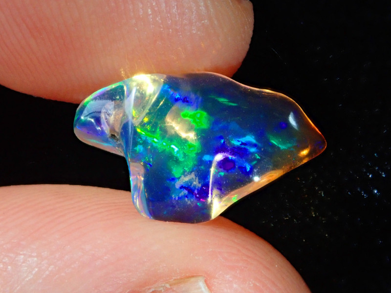 2.34ct Bright Carved Mexican Opal