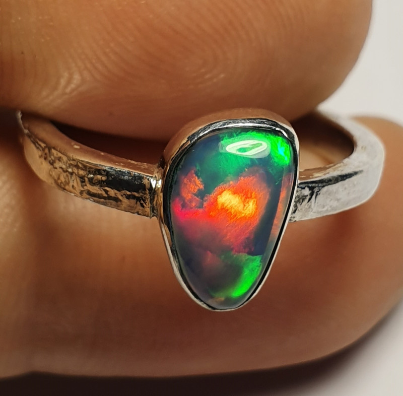 6.60sz Ethiopian Welo Opal & .925 Handmade Sterling Ring