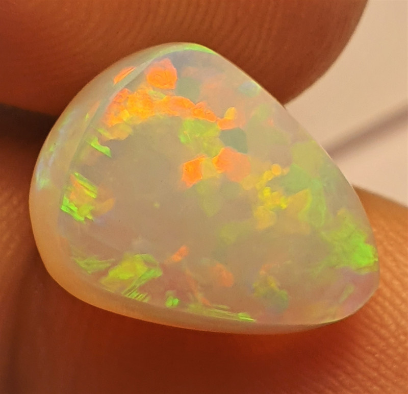 6.5ct  Beautiful Blazing Welo Solid Opal