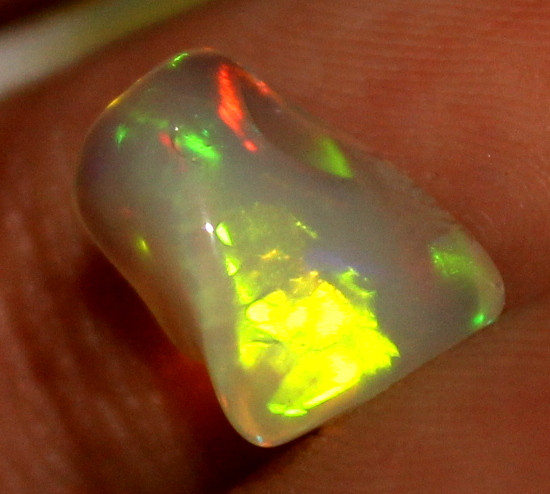 2.25 Crt Natural Ethiopian Welo Fire Opal Carvin 871