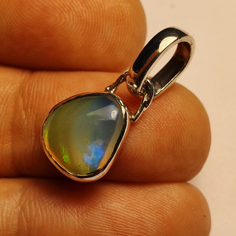 .925 Sterling Silver Welo Solid Opal Pendant