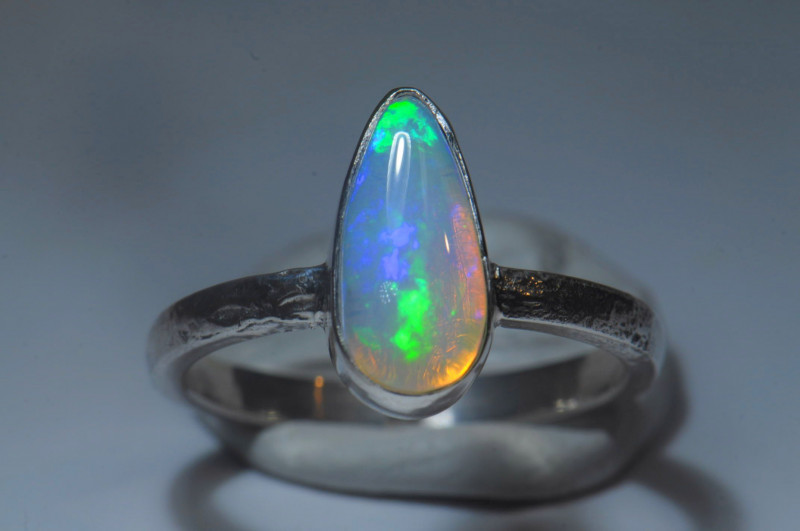 8sz Bold Heavy Sterling .925 Silver Blue  Welo Solid Opal Ring