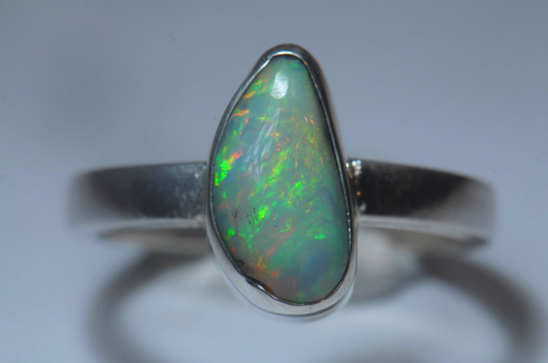 5.6sz Sterling Silver Blazing Welo Solid Opal Ring