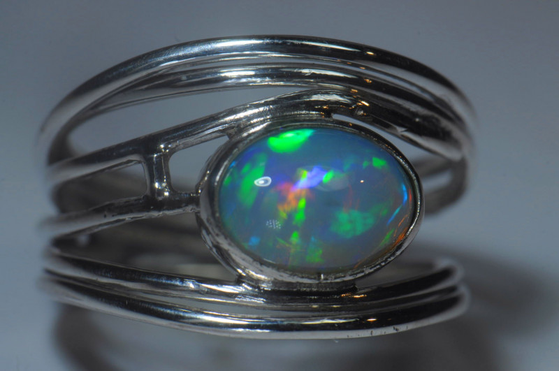 7.5sz Sterling Silver Blazing Welo Solid Opal Ring
