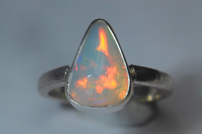 4.5sz Sterling .925 Silver Blazing Welo Solid Opal Ring