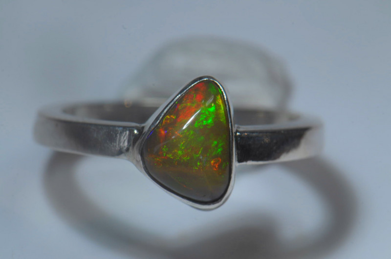 5.7sz Sterling .925 Silver Blazing Welo Solid Opal Ring