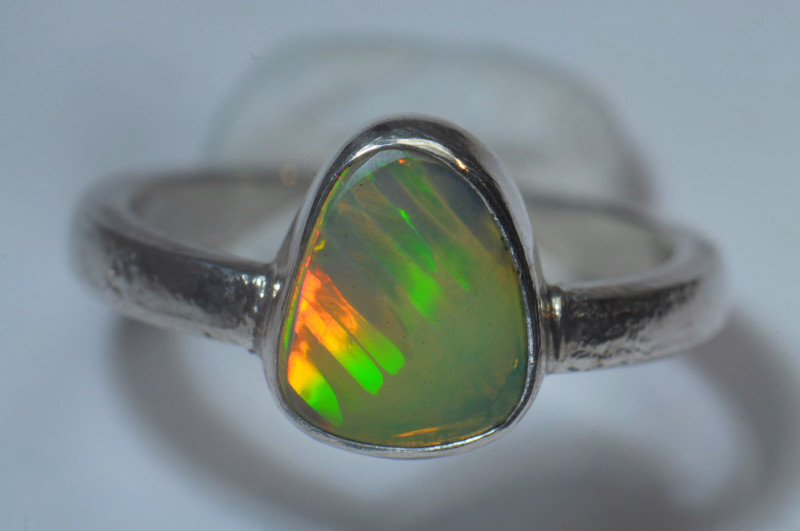 6sz Sterling .925 Silver Blazing Welo Solid Opal Ring