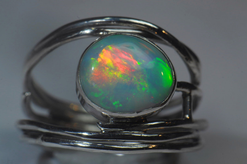 8.2sz Sterling .925 Silver Blazing Welo Solid Opal Ring