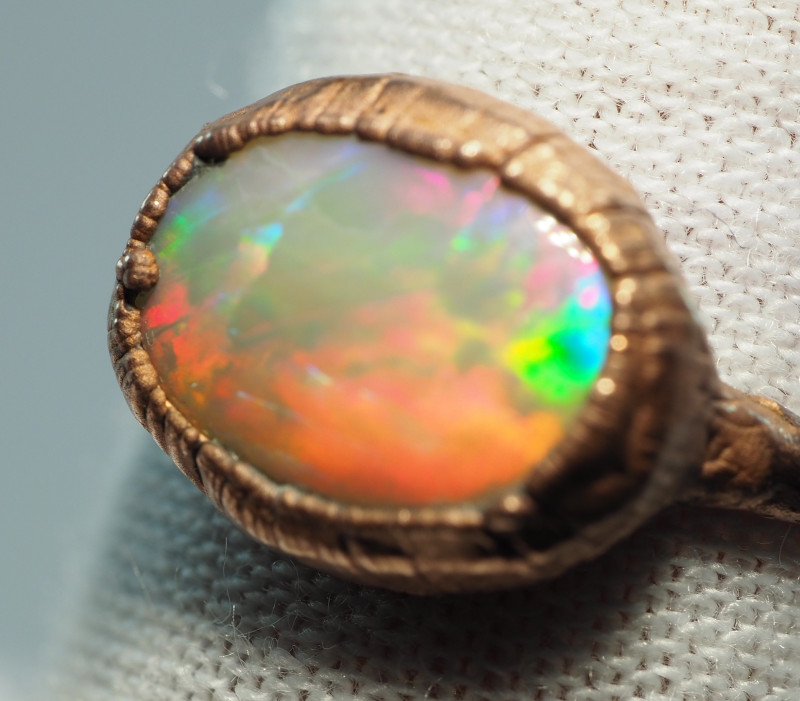 10.60CT LIGHTNING RIDGE OPAL RING WITH ELECTRIC FORM COPPER  AA432