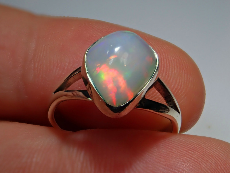 5.7sz .925 Sterling Blazing Welo Solid Opal Ring