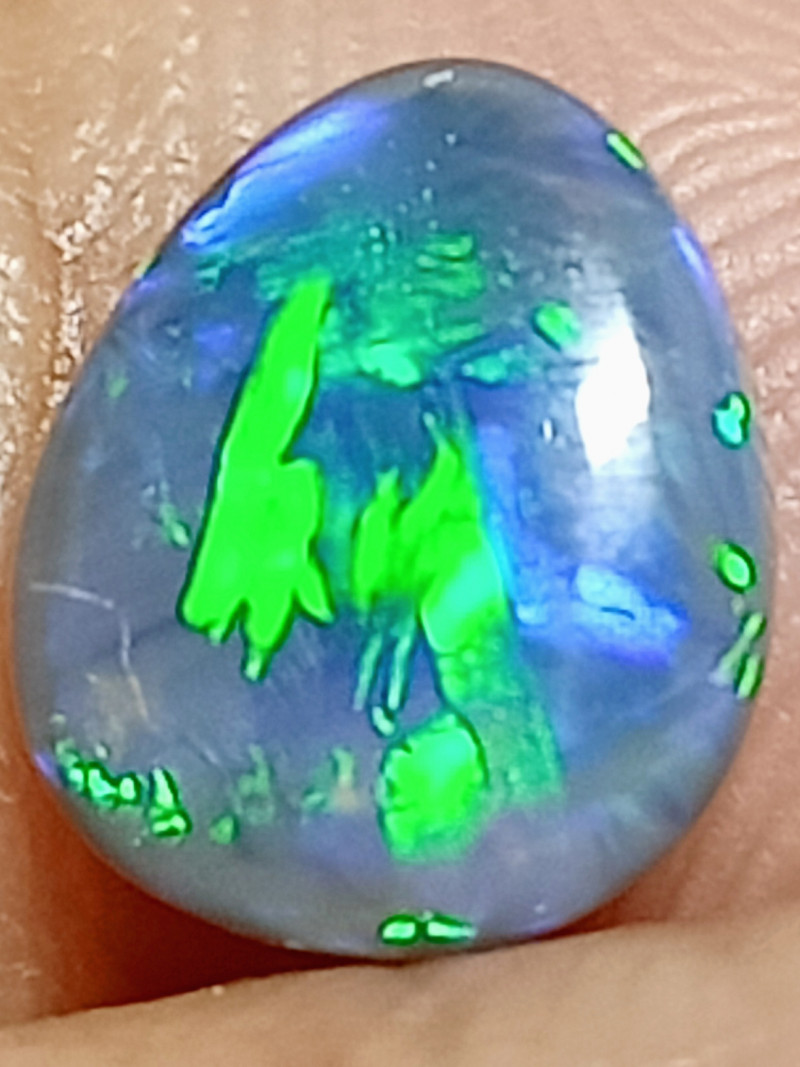 0.95Cts Dark Crystal B&H274