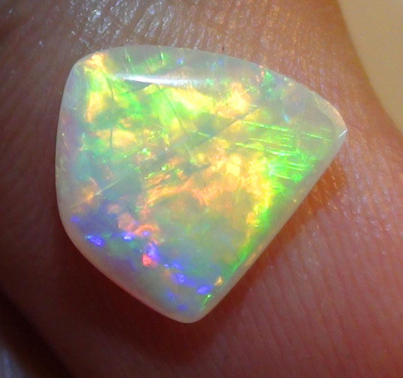 1.40 ct Gem Multi Color Coober Pedy Opal GQ100