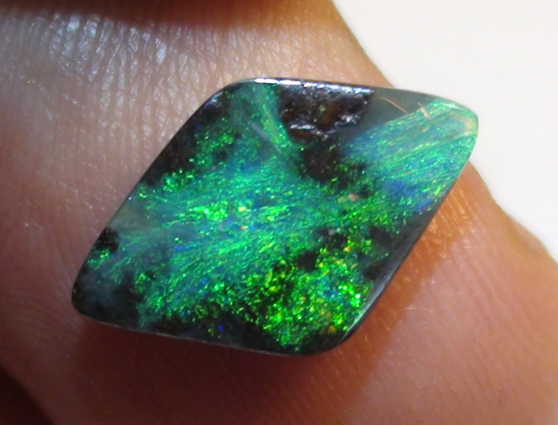 3.05 ct Beautiful Gem Blue Green Natural Queensland Boulder Opal