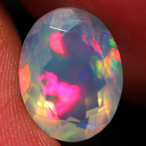3.85 CT Extra Fine Quality Faceted Cut Ethiopian Opal -DF227