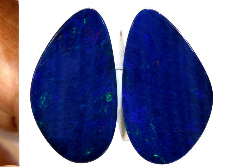 23.72- CTS   OPAL DOUBLET   PAIR LO-5368