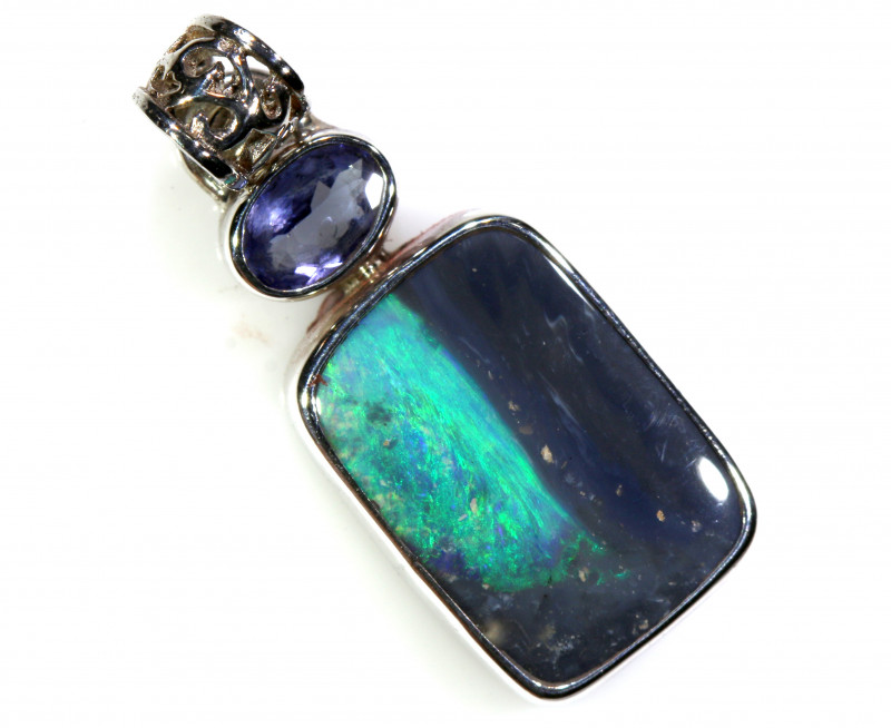 13.95   CTS BLACK OPAL  SILVER PENDANT   OF-179