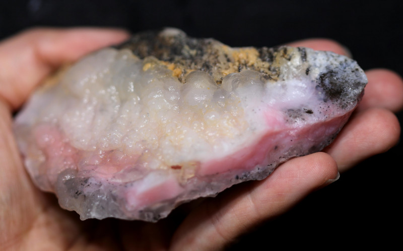 835.00 CTS  LARGE PINK OPAL  ROUGH FROM PERU  [F8409]