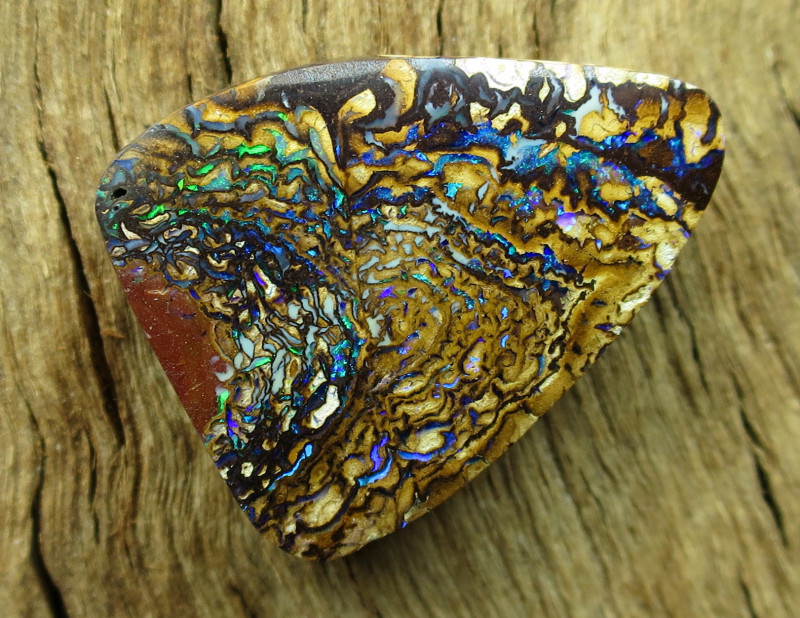 26cts, YOWAH OPAL~OUTBACK QUEENSLAND.