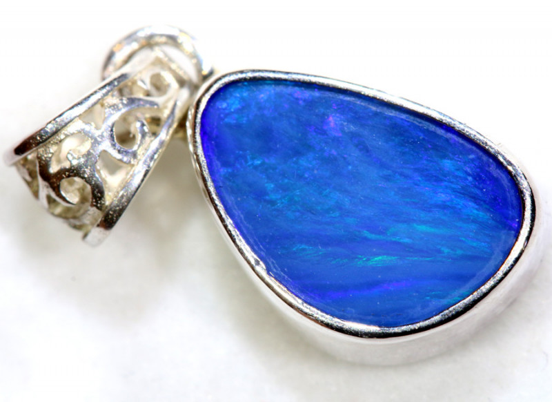 7.5  CTS  DOUBLET OPAL SILVER PENDANT   OF-489