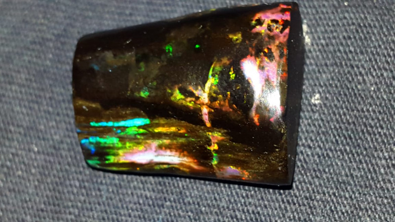 28.00 CRT RIBBON PLAY COLOR PATTERN SPECIMENT INDONESIAN OPAL WOOD FOSSIL