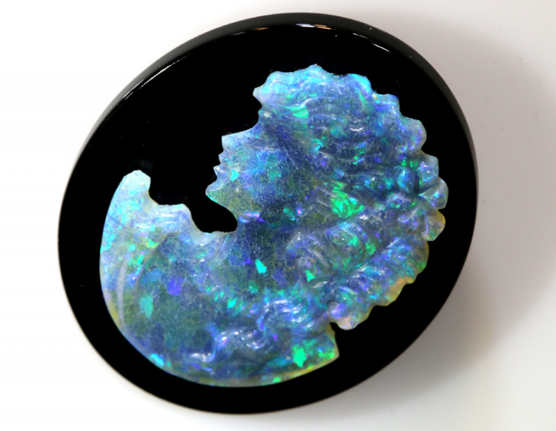 12.45- CTS  WHITE  OPAL CRYSTAL CAMEO LADY CARVING  LO-5654