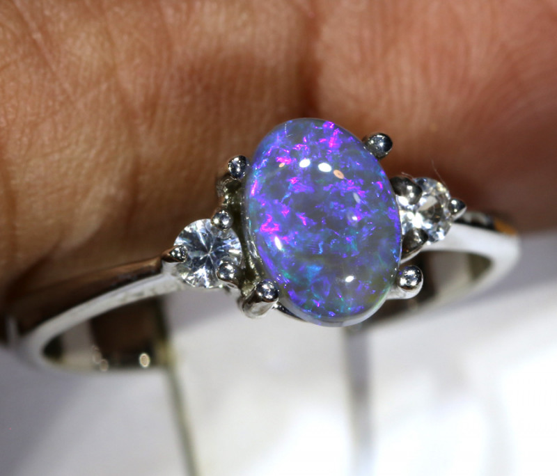 13.90- CTS  BLACK OPAL -SAPPHIRE  SILVER RING OF-2665