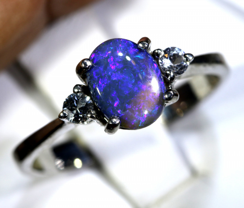 13.80 - CTS  BLACK OPAL -SAPPHIRE  SILVER RING OF-2670