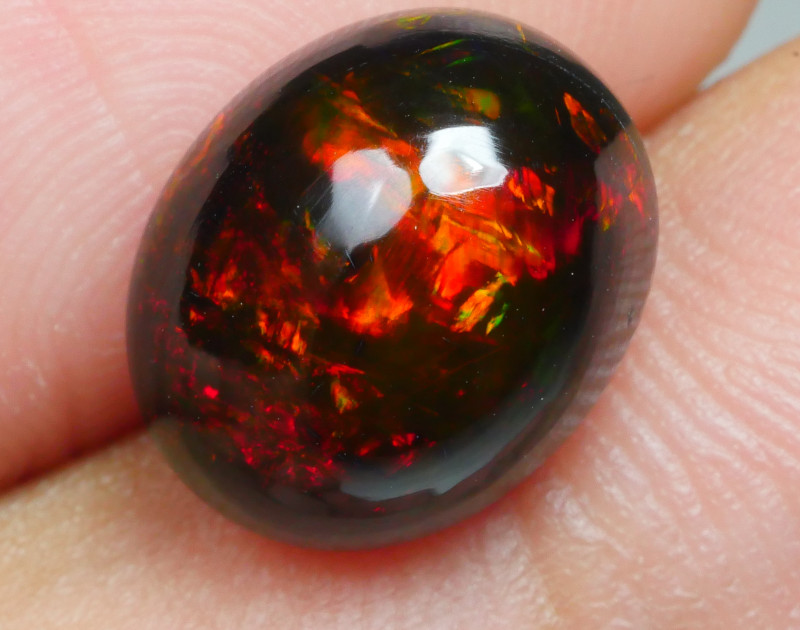2.80 CRT GORGEOUS SMOKED FLOWER RED FIRE WELO OPAL-