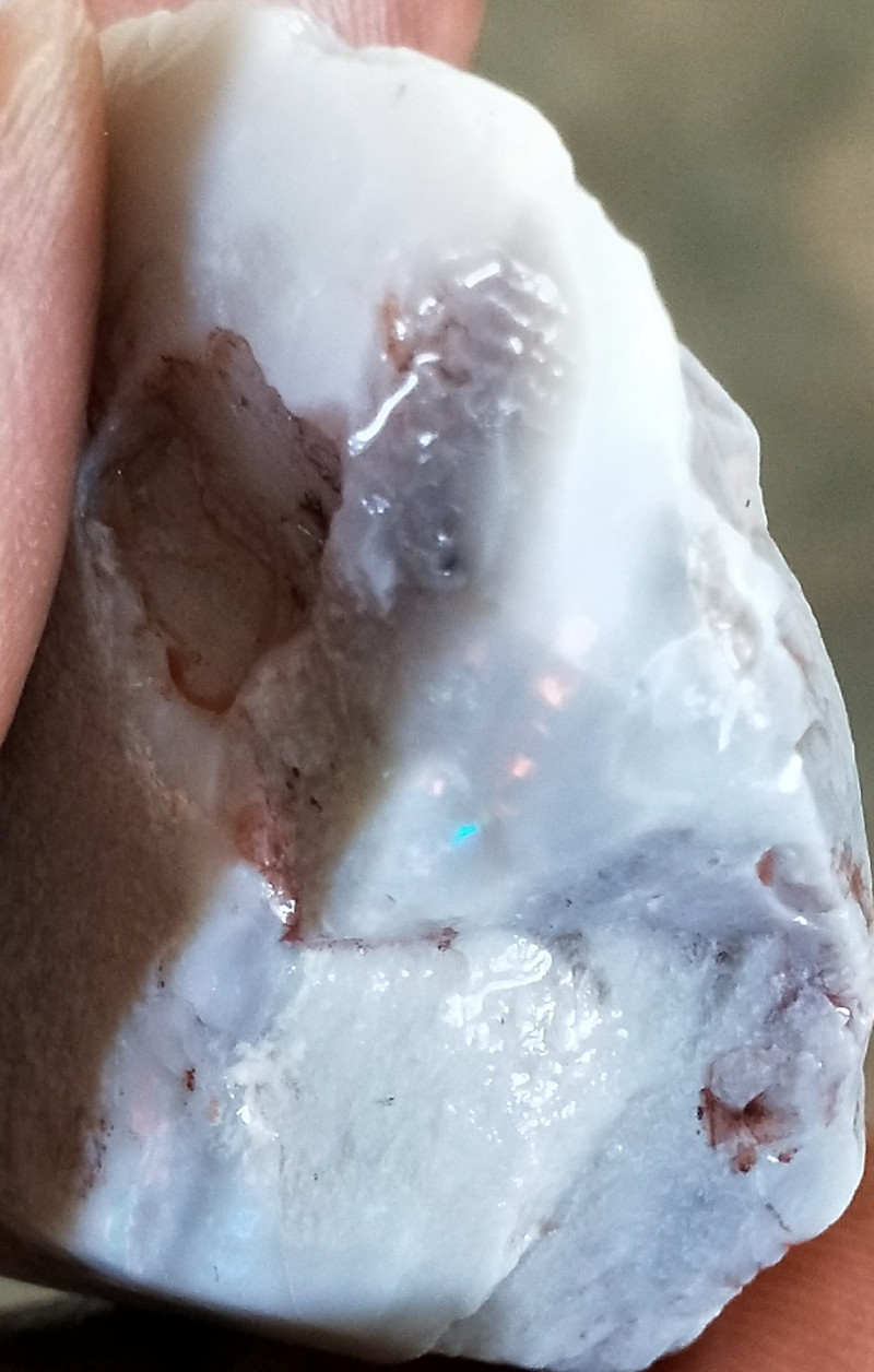 302.5Cts Ridge Light Crystal Opal Rough PE-554