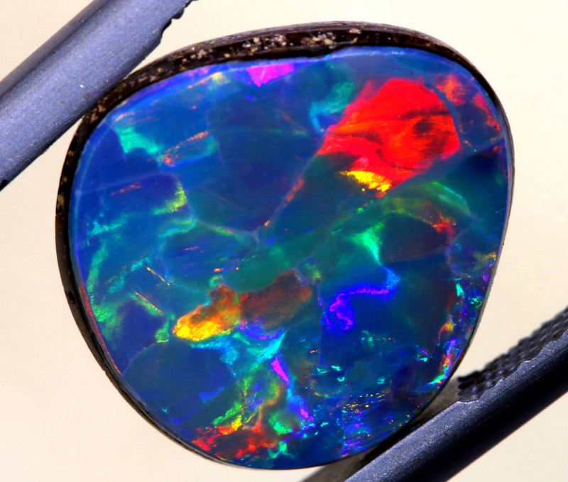 6.15 CTS L.RIDGE  OPAL DOUBLET  ON BLACK  POTCH STONE TBO-A477