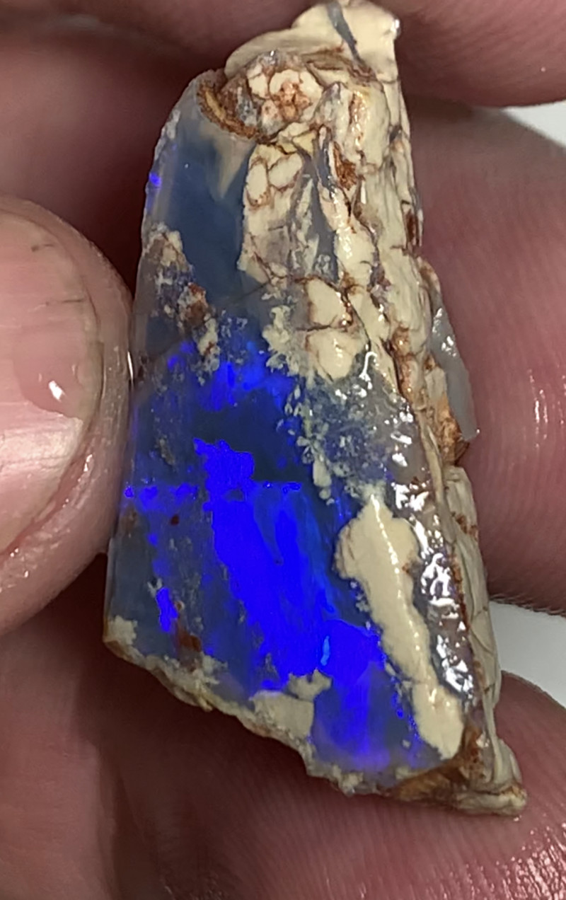 STUNNING BLUE BRIGHT ROUGH SEAM OPAL***#2893