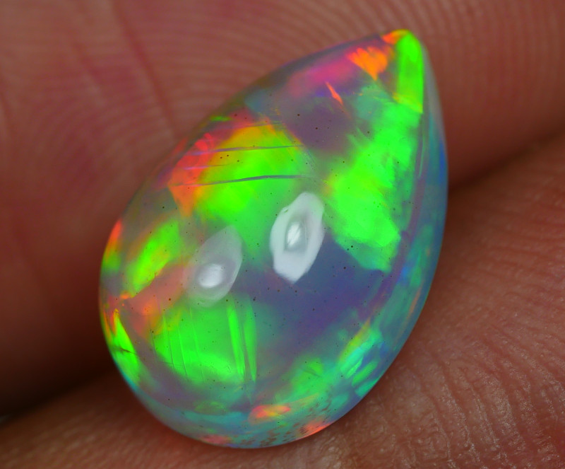 3.65 CRT BRILLIANT WELO CHAFF FLORAL PLAY COLOR WELO OPAL
