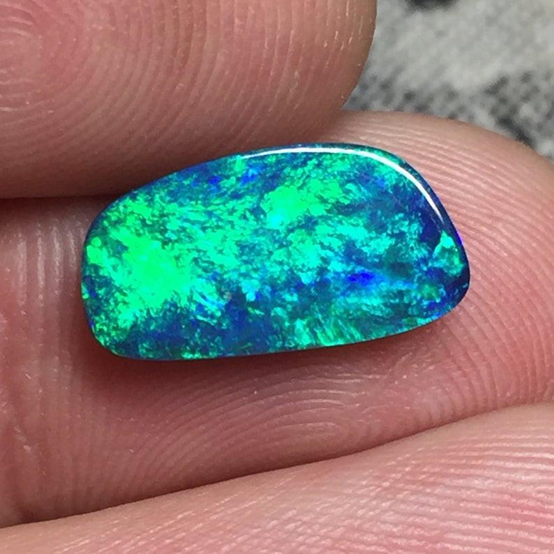 2,01 cts - Opal doublet from Lightning Ridge - BA11