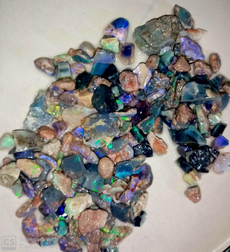 405 crt Mixed rough opal parcel from Lightning ridge