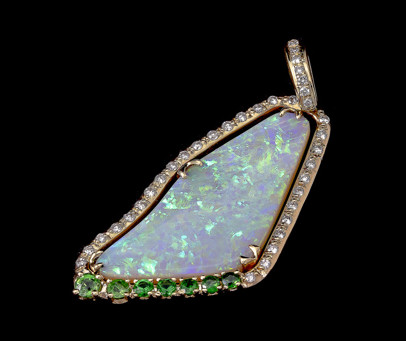Opal pendant of high quality