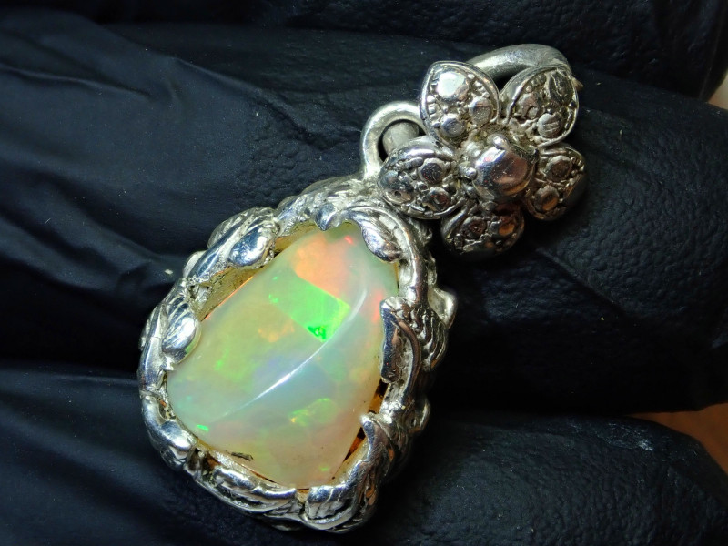 29ct Natural Ethiopian Welo Opal .925 Sterling Silver Pendant