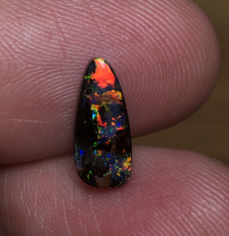 1.5cts Boulder Opal Stone AE118