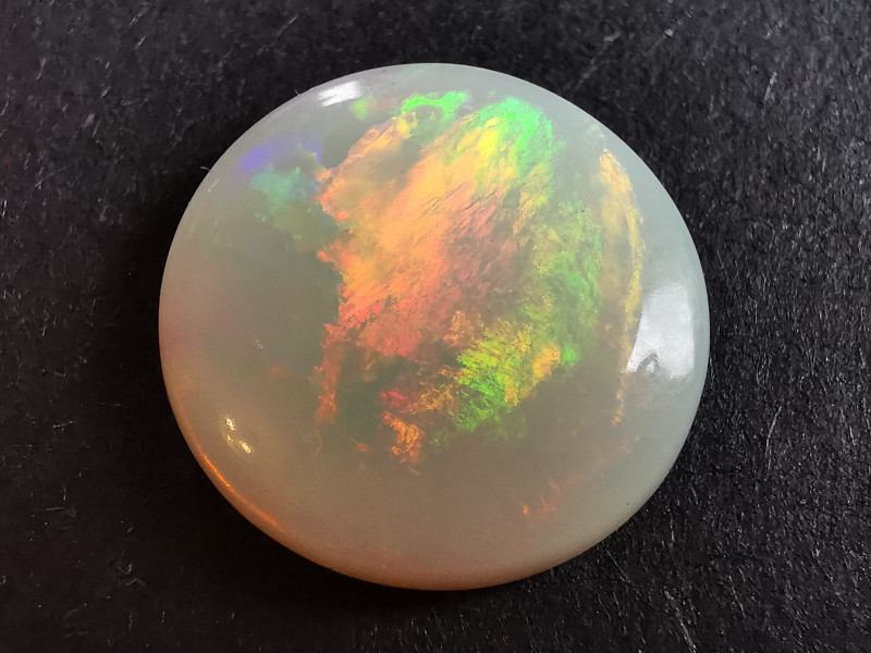 4 Cts White Crystal Opal - Coober Pedy Australia