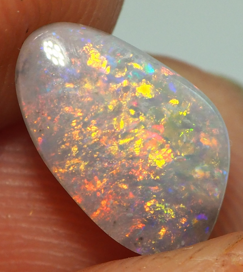0.95CT LIGHTNING RIDGE CRYSTAL OPAL  ST443