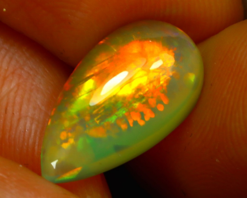 Welo Opal 3.53Ct Natural Ethiopian Play of Color Opal JN23