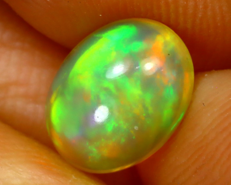 Welo Opal 1.44Ct Natural Ethiopian Play of Color Opal G3101/A44